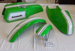 Kawasaki 350 S2 in lime green 7F RH-Lacke Lackiererei Motorradlackierung 06-3542