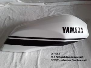Yamaha XRS700 nach Kundenwunsch in silky white GE/SW und Streifen schwarz matt RH-Lacke Lackiererei Motorradlackierung