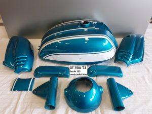 Suzuki GT750J '72 in 195 candy jackal blue RH-Lacke Lackiererei Motorradlackierung