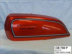 Honda CB750F in R2C-F flake sunrise orange RH-Lacke Lackiererei Motorradlackierung
