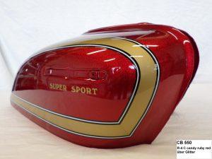 Honda CB550 in R-4C candy ruby red RH-Lacke Lackiererei Motorradlackierung 06-2412