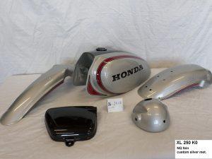 Honda XL250 K0 in NQ fein custom silver metallic RH-Lacke Lackiererei Motorradlackierung 06-2417