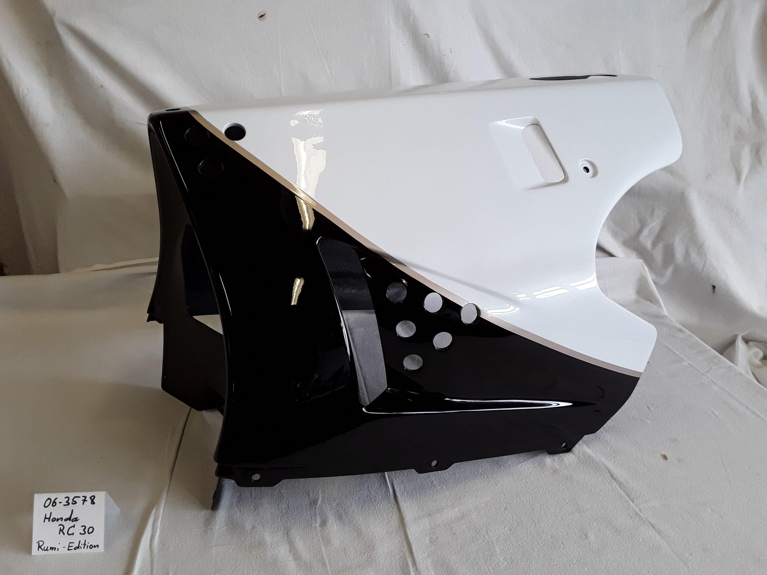 Honda VFR750R Rumi-Edition in pearl crystal white NH-193 und black NH-1 RH-Lacke Lackiererei Motorradlackierung 06-3578
