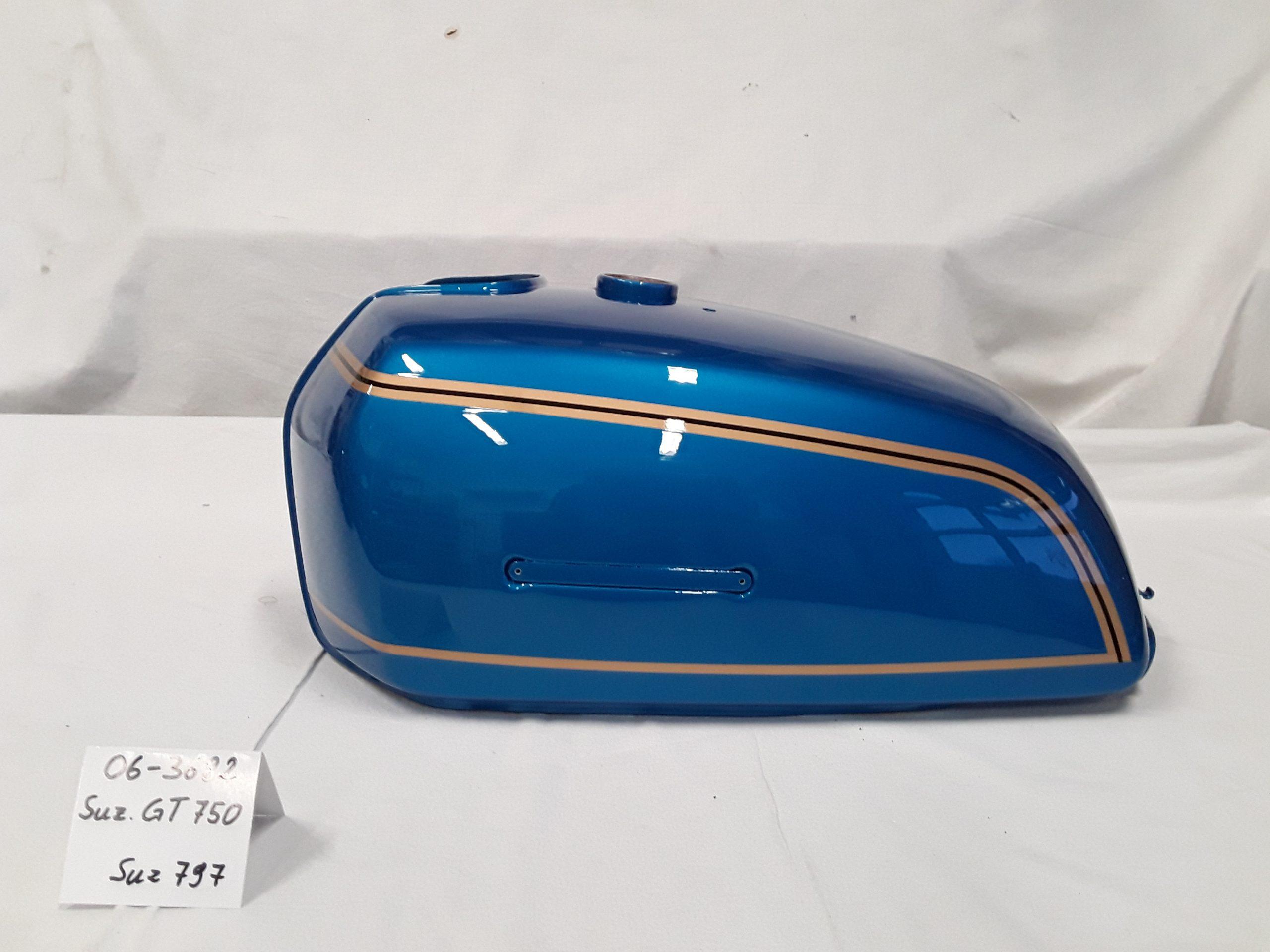 Suzuki GT750 in maui blue 797 RH-Lacke Lackiererei Motorradlackierung 06-3682