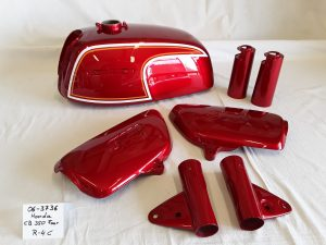 Honda CB350four in candy ruby red R-4 C RH-Lacke Lackiererei Motorradlackierung 06-3736 nach Kundenwunsch