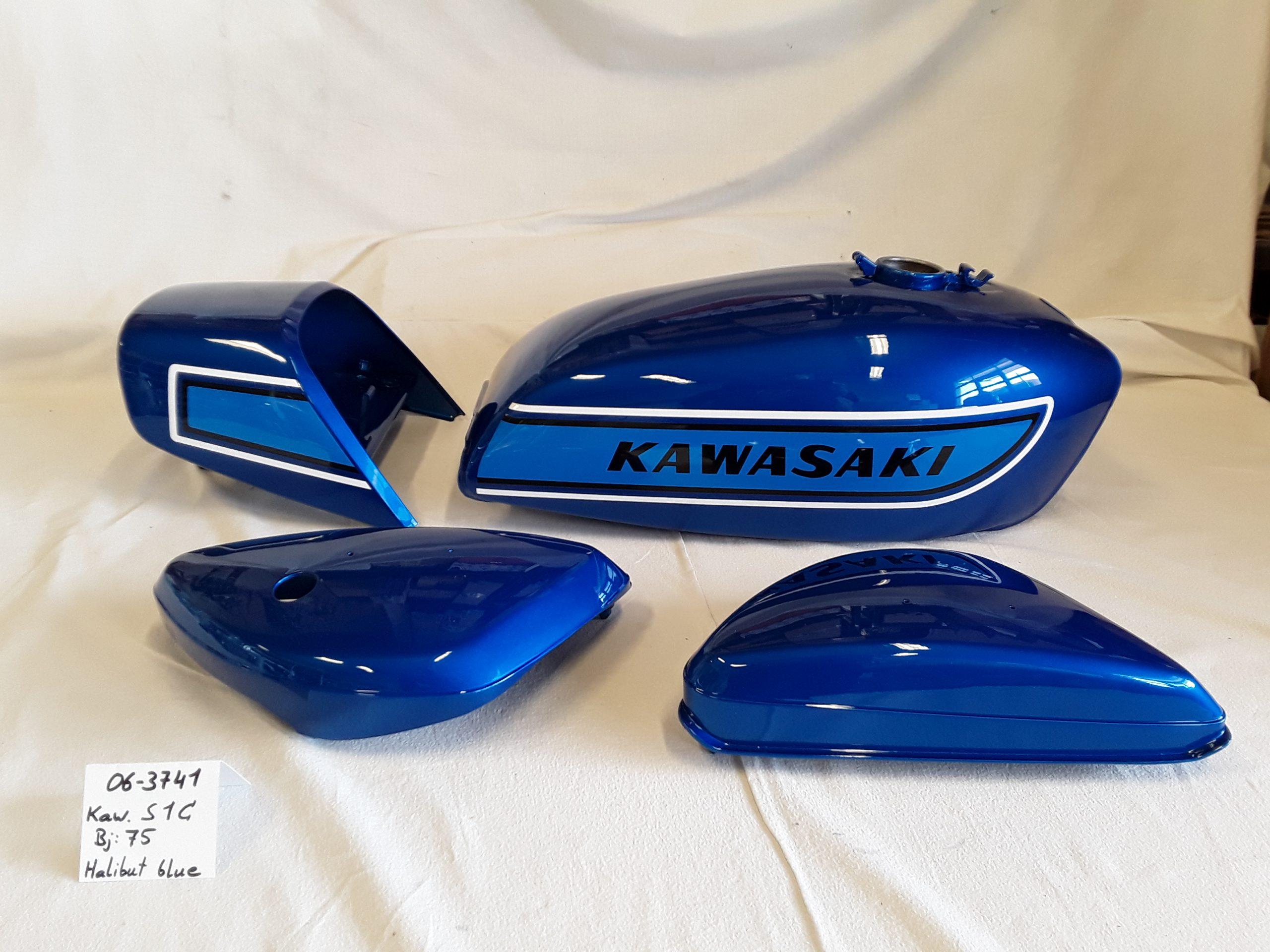 Kawasaki S1C Bj.1975 in halibut blue RH-Lacke Lackiererei Motorradlackierung 06-3741