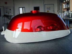 Honda Monkey R-4 C candy ruby red NH-24 ceramic white RH-Lacke Lackiererei Motorradlackierung